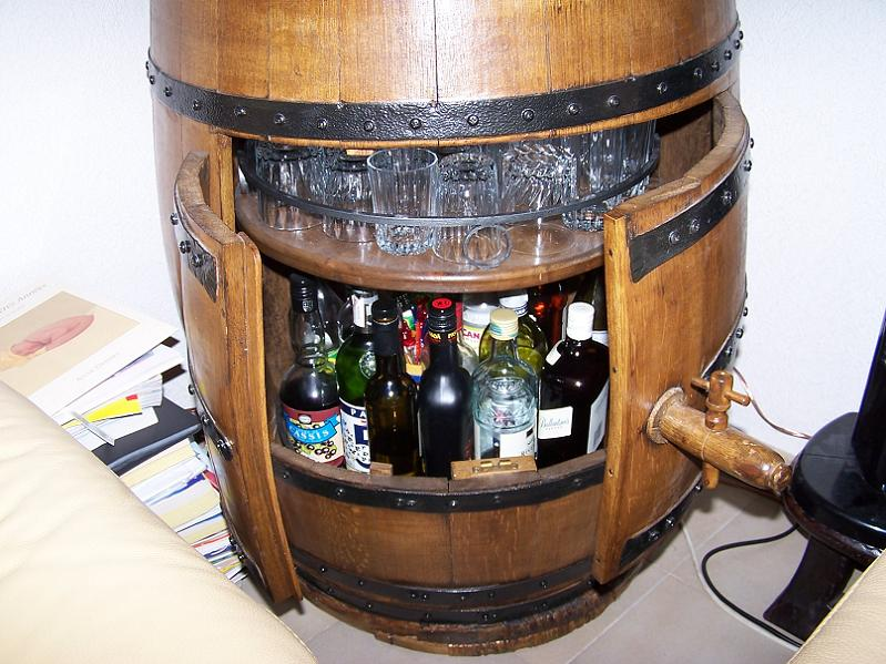 Attirant faire un bar avec un tonneau 6 f t de vin bar mobile design - Comment faire un bar ...