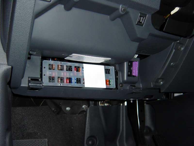Audi A 3 2010 >> Boite à fusibles - Comment y acceder. - TouranPassion
