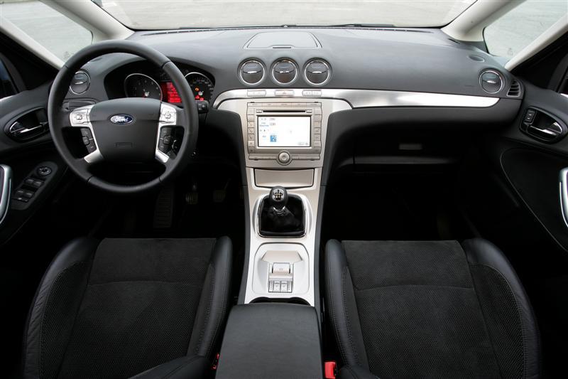Et si vous aviez le choix pour autre chose que le touran for Ford s max photos interieur