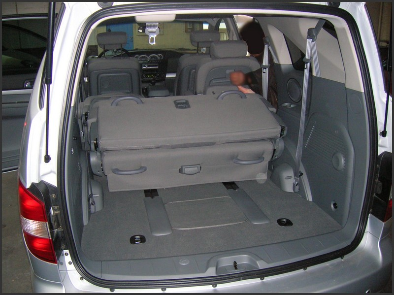 Essai ssangyong rodius touranpassion for Interieur 807 8 places