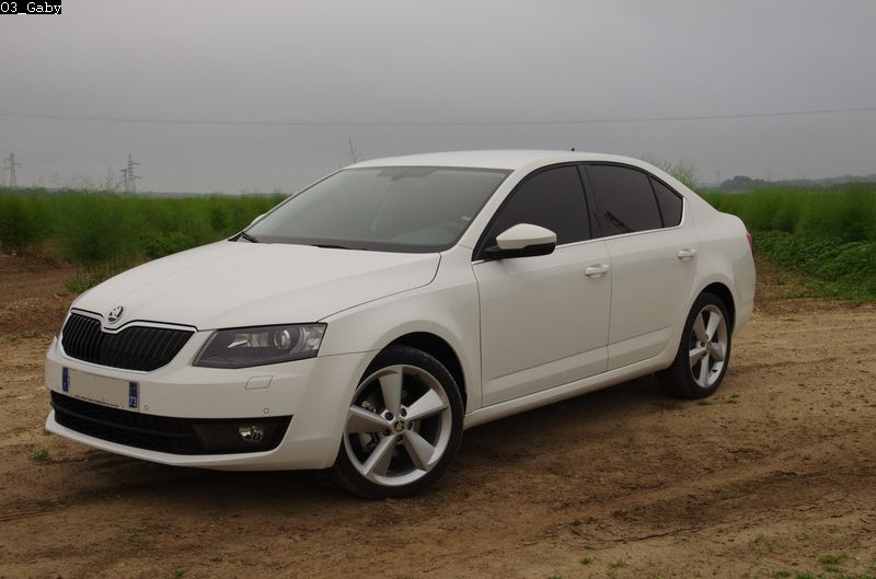 pr sentation de ma skoda octavia 3 1 6 tdi 105 ch dsg7 elegance skoda forum marques. Black Bedroom Furniture Sets. Home Design Ideas